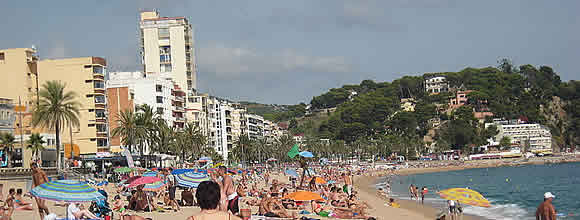 800px Lloret de Mar beach Costa Brava Spain. The Ten Greatest All Nude Fight Scenes in Comics